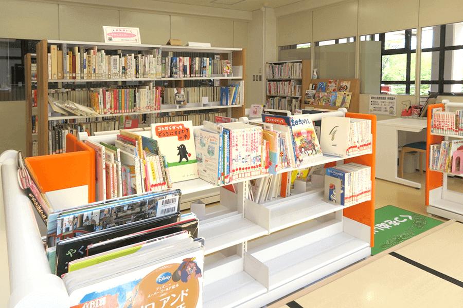 朝地公民館・図書室