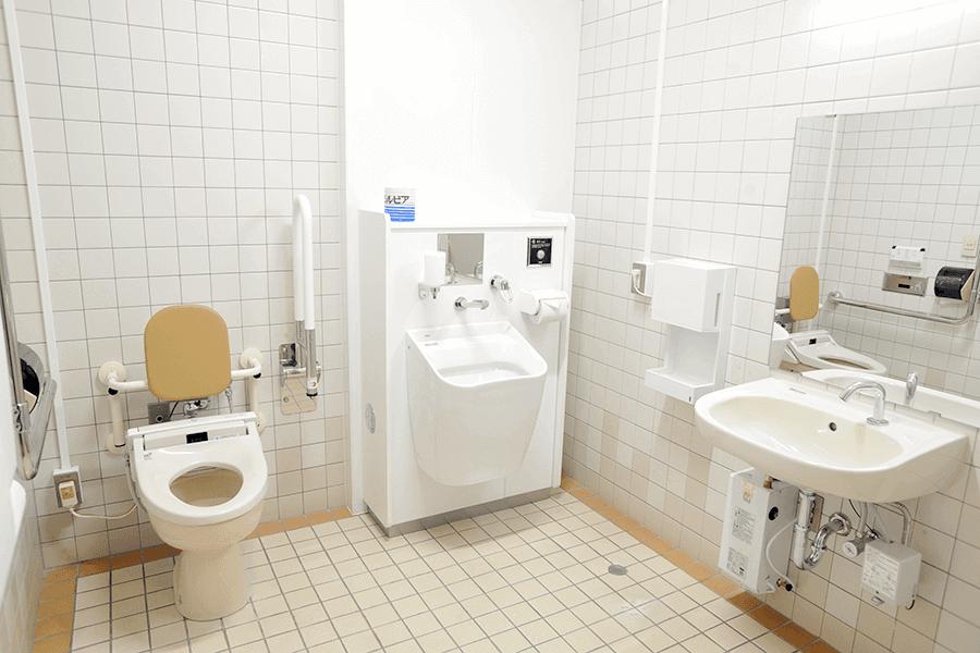 千歳公民館・多目的トイレ