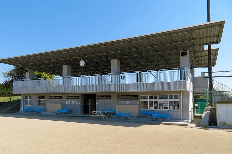 三重総合グラウンド・陸上競技場管理棟